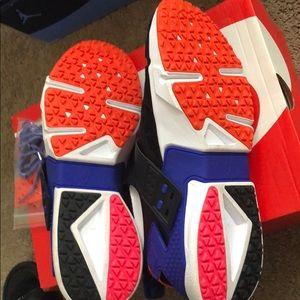 Nike Shoes - Nike air huarache drift prm